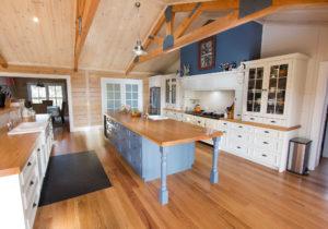 Деревенский стиль кухни для дома