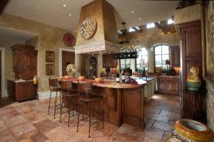 Дизайн классической кухни из дорогих пород дерева