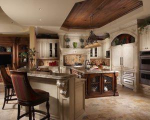 Кухня из дерева в средиземноморском стиле