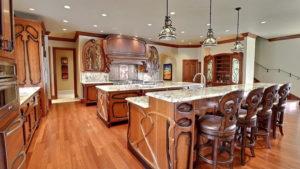 Кухня из дерева в стиле модерн для частного дома