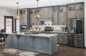 Кухня шебби-шик в серых тонах