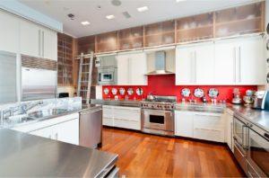 Кухня в стиле ретро и винтаж