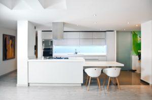 Кухня в японском стиле класса минимализм