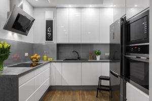 Кухня Хай-тек для маленьких помещений