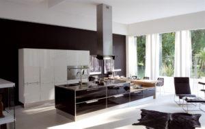 Просторная кухня для дома в стиле Хай-тек