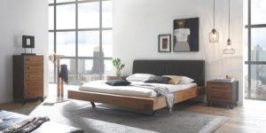 Спальня из дерева в современном стиле