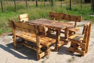 Уличная деревянная мебель для дачи