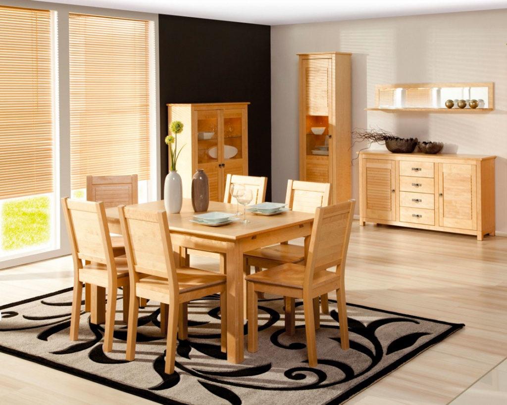 Гостиная с мебелью из массива березы