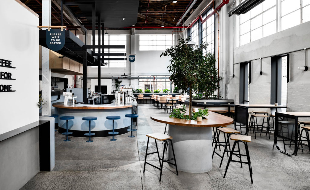 Интерьер кафе в стиле минимализм