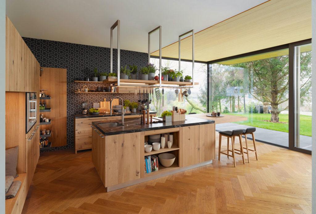 Кухня из массива натурального дерева