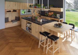 Кухня в стиле лофт из натурального дерева