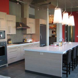 Кухня в стиле лофт светлая