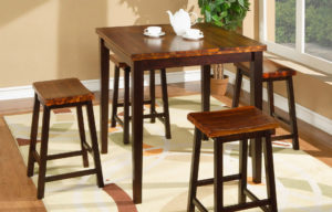 Кухонный столик и стулья из акации