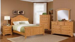 Спальная комната из сосны