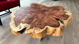 Стол из среза дерева