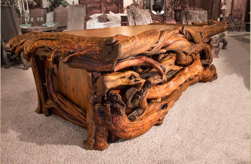Стол из массива дерева и корней