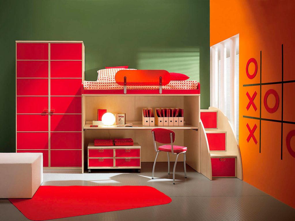Интерьер детской спальни в красном цвете