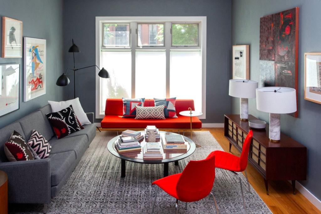 Интерьер гостиной в красно-сером цвете